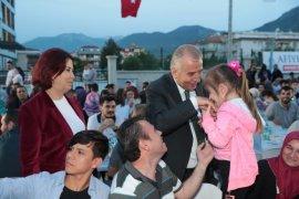 İftar bereketi Zeytinköy'e taşındı