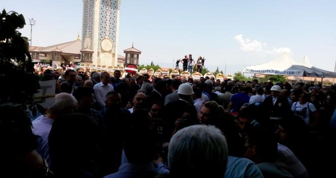KAZIM ARSLAN'IN CENAZESİ CAMİ'YE GETİRİLDİ