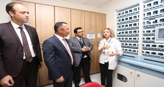 Rektör Bağ, PAÜ Hastanesinde İncelemelerde Bulundu